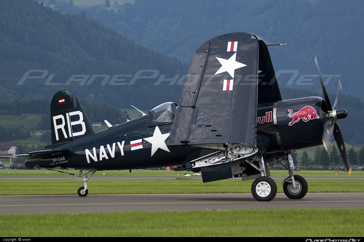 Vought F4U-4 Corsair - OE-EAS operated by The Flying Bulls #airpower #airpower2009 #corsair #theflyingbulls #vought