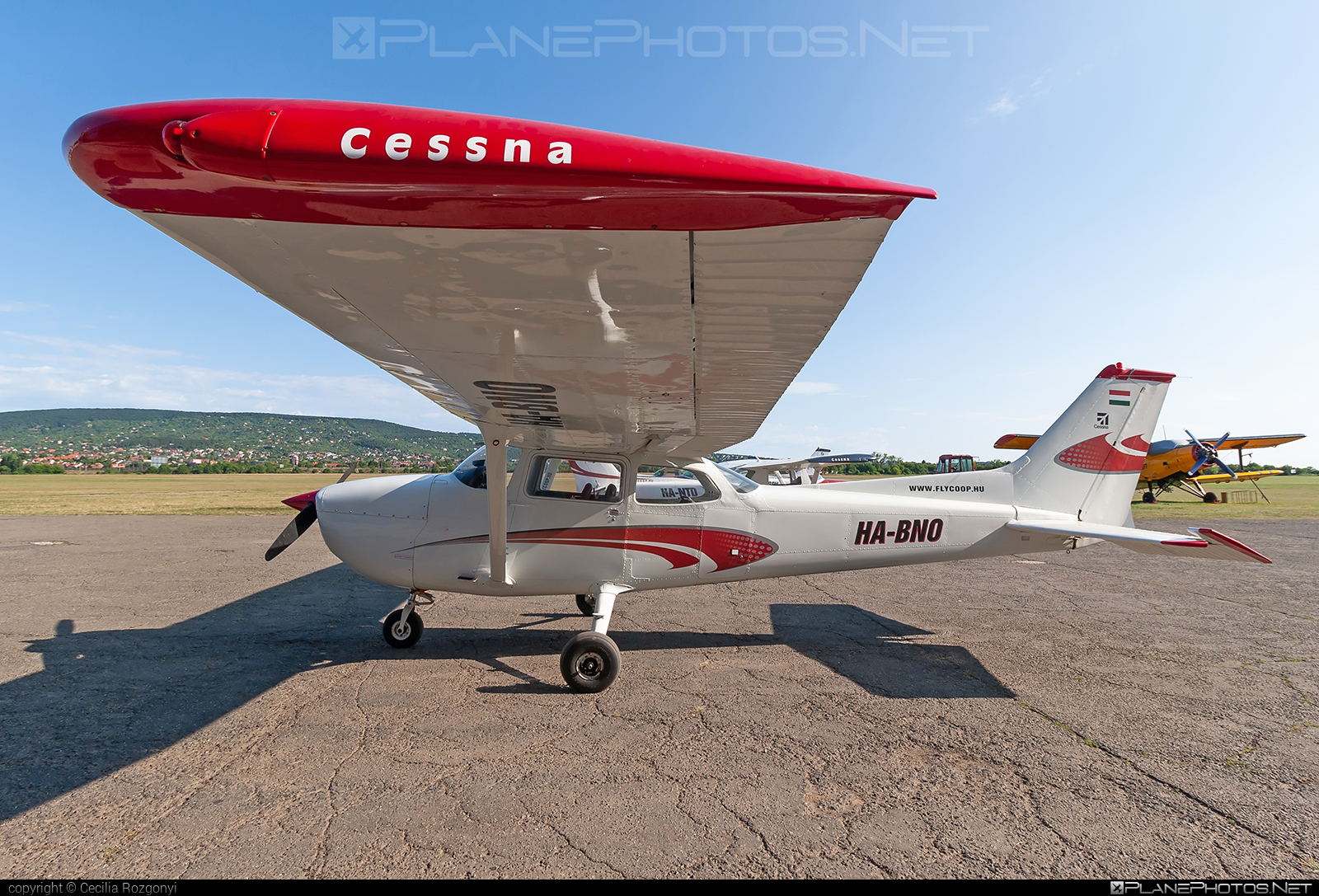 Reims F172M Skyhawk - HA-BNO operated by Fly-Coop #cessna172 #cessnaskyhawk #f172m #reims #reims172 #reimsf172 #reimsskayhawk