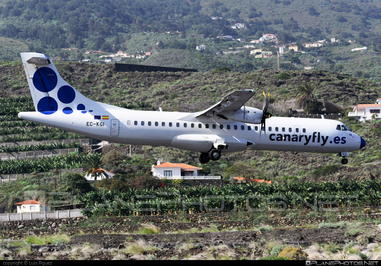 ATR 72-212A - EC-KGI operated by Canaryfly #atr