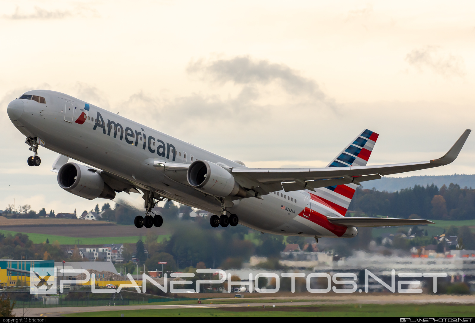 Boeing 767-300ER - N342AN operated by American Airlines #americanairlines #b767 #b767er #boeing #boeing767