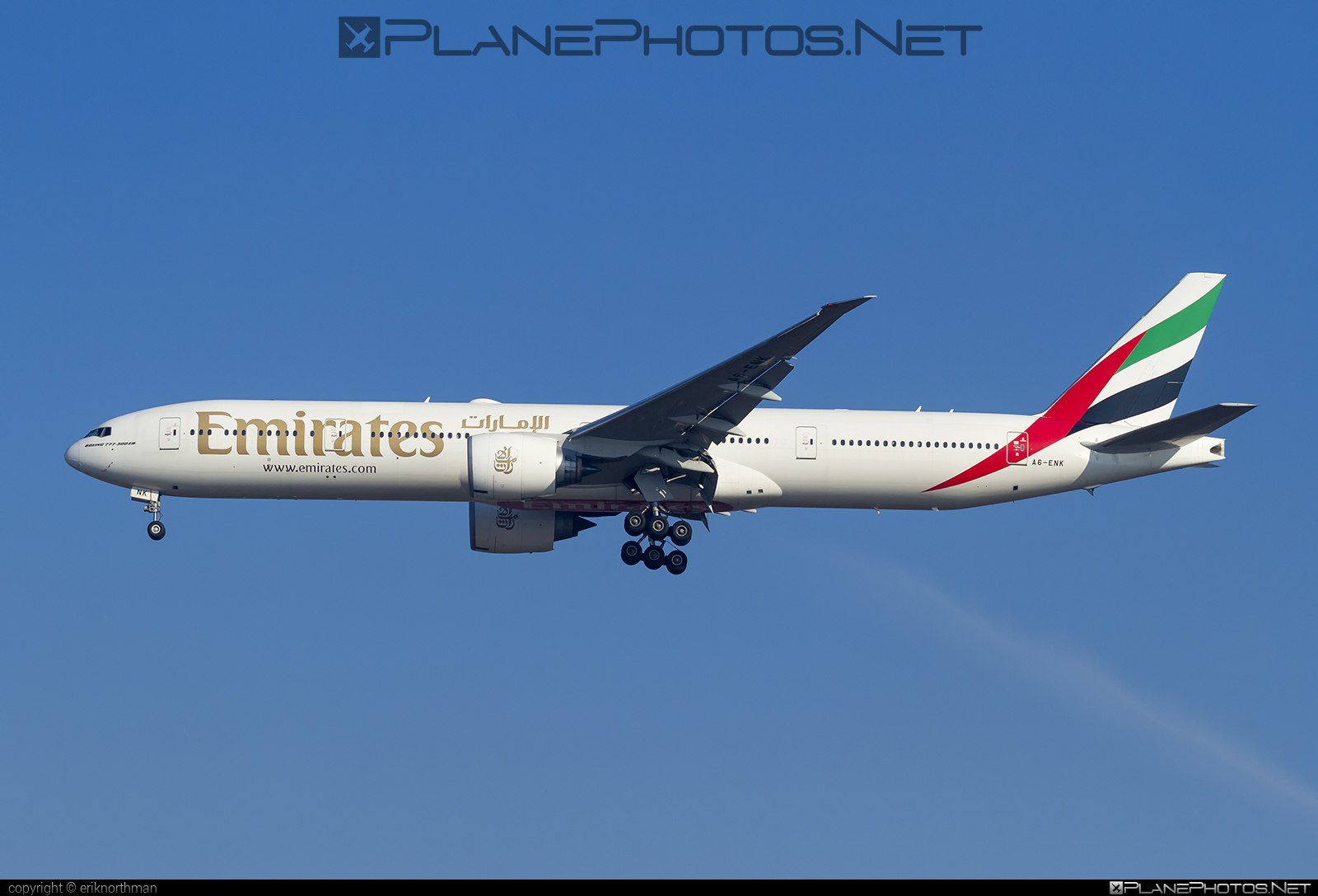 Boeing 777-300ER - A6-ENK operated by Emirates #b777 #b777er #boeing #boeing777 #emirates #tripleseven