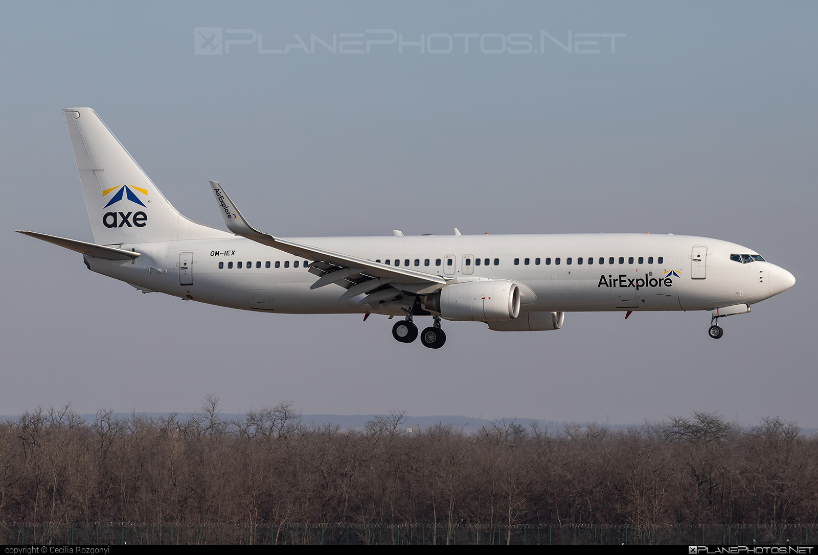 Boeing 737-800 - OM-IEX operated by AirExplore #b737 #b737nextgen #b737ng #boeing #boeing737