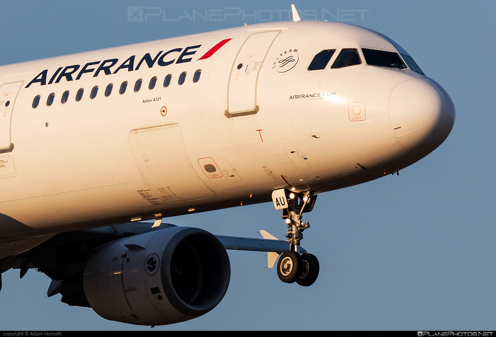 Airbus A321-212 - F-GTAU operated by Air France #a320family #a321 #airbus #airbus321 #airfrance