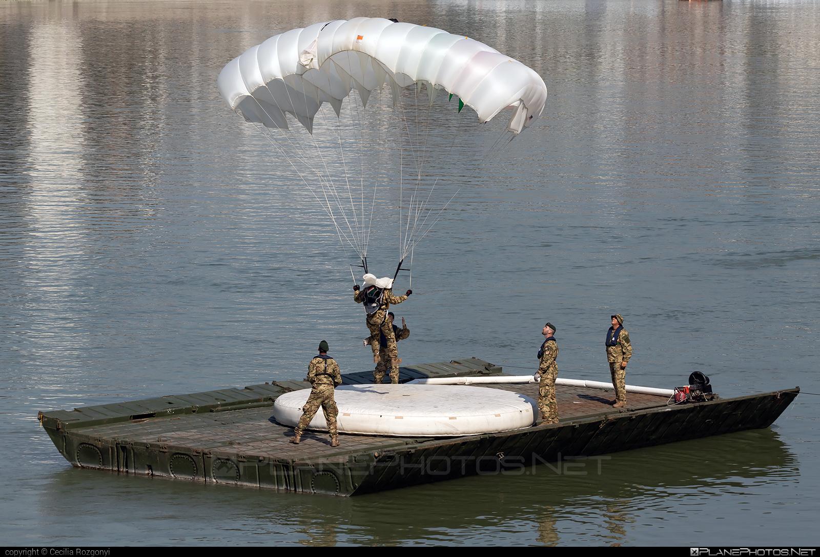 Parachute - No registration operated by Magyar Légierő (Hungarian Air Force) #hungarianairforce #magyarlegiero