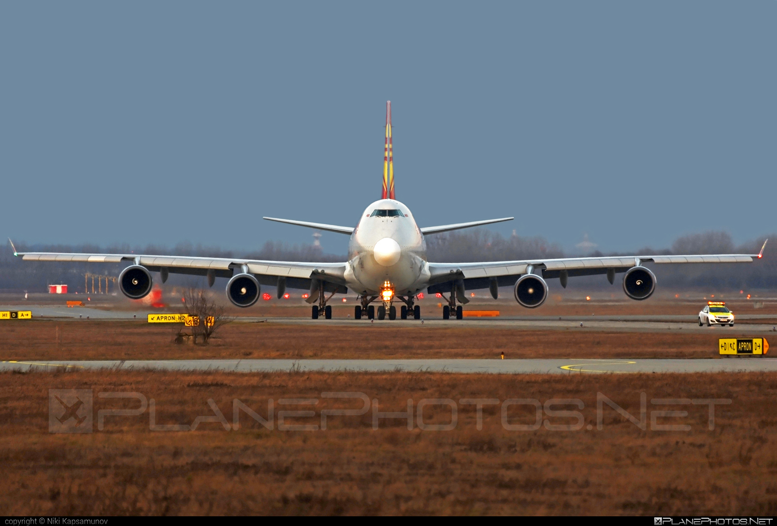 Boeing 747-400F - B-2432 operated by Suparna Airlines #b747 #boeing #boeing747 #jumbo #suparnaairlines