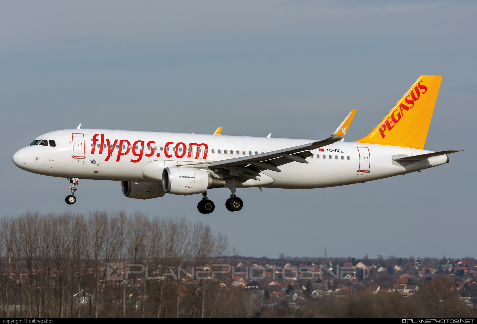 Airbus A320-214 - TC-DCL operated by Pegasus Airlines #a320 #a320family #airbus #airbus320