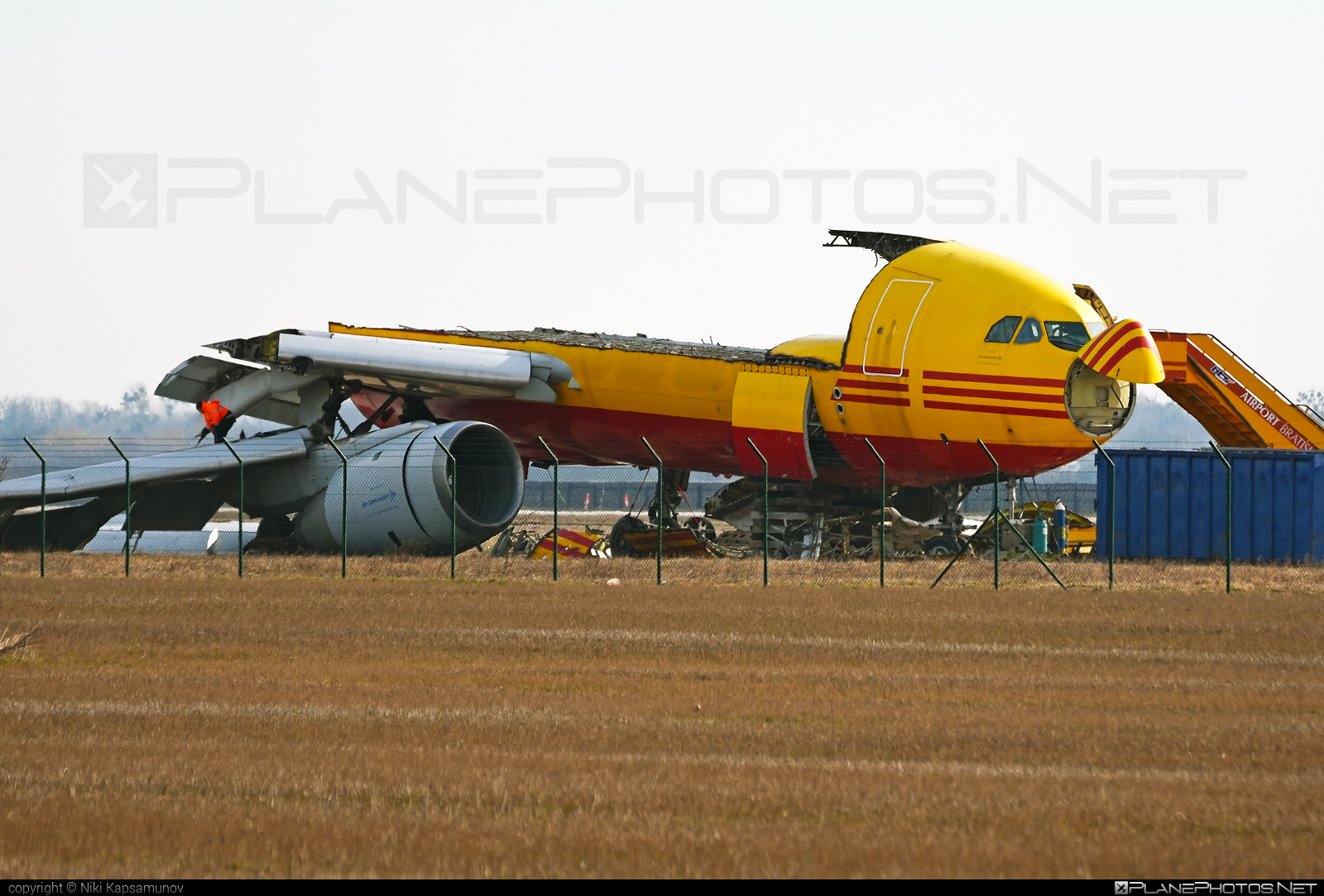 Airbus A300B4-203F - EI-EAC operated by DHL Air #a300 #airbus
