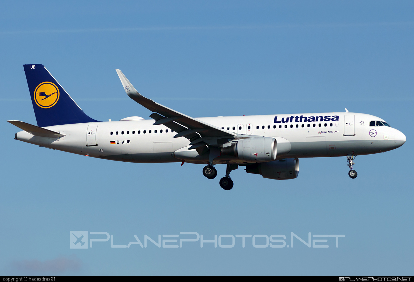Airbus A320-214 - D-AIUB operated by Lufthansa #a320 #a320family #airbus #airbus320 #lufthansa