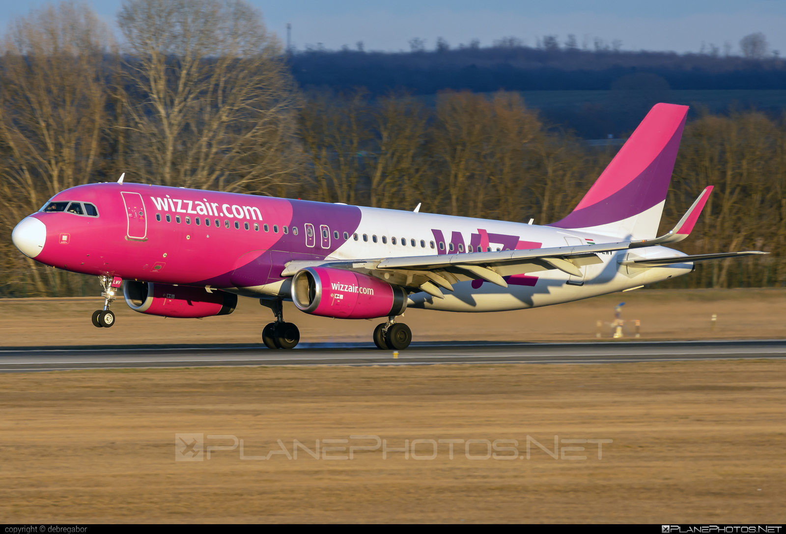Airbus A320-232 - HA-LWV operated by Wizz Air #a320 #a320family #airbus #airbus320 #wizz #wizzair