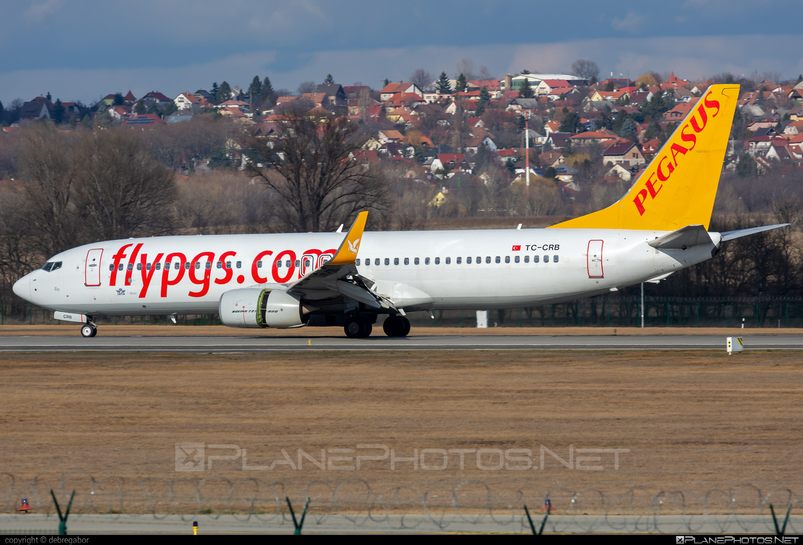 Boeing 737-800 - TC-CRB operated by Pegasus Airlines #b737 #b737nextgen #b737ng #boeing #boeing737
