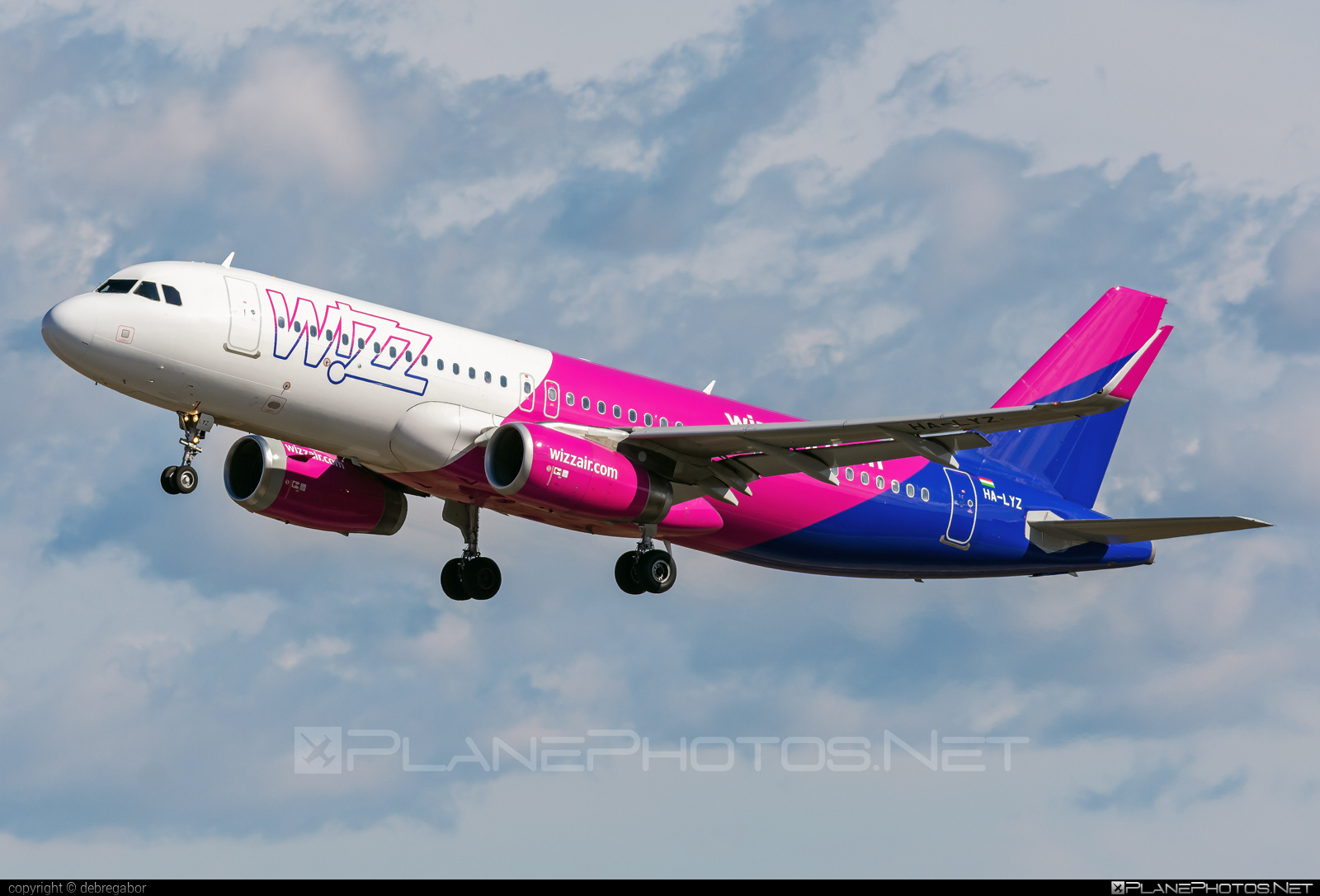 Airbus A320-232 - HA-LYZ operated by Wizz Air #a320 #a320family #airbus #airbus320 #wizz #wizzair