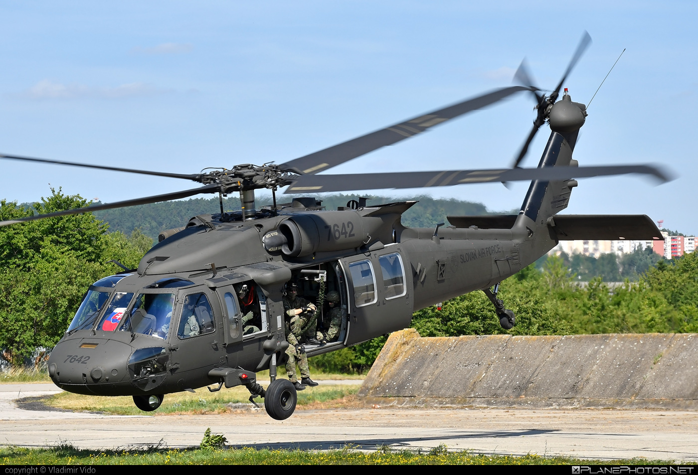 Sikorsky UH-60M Black Hawk - 7642 operated by Vzdušné sily OS SR (Slovak Air Force) #blackhawk #sikorsky #slovakairforce #uh60 #uh60blackhawk #uh60m #vzdusnesilyossr