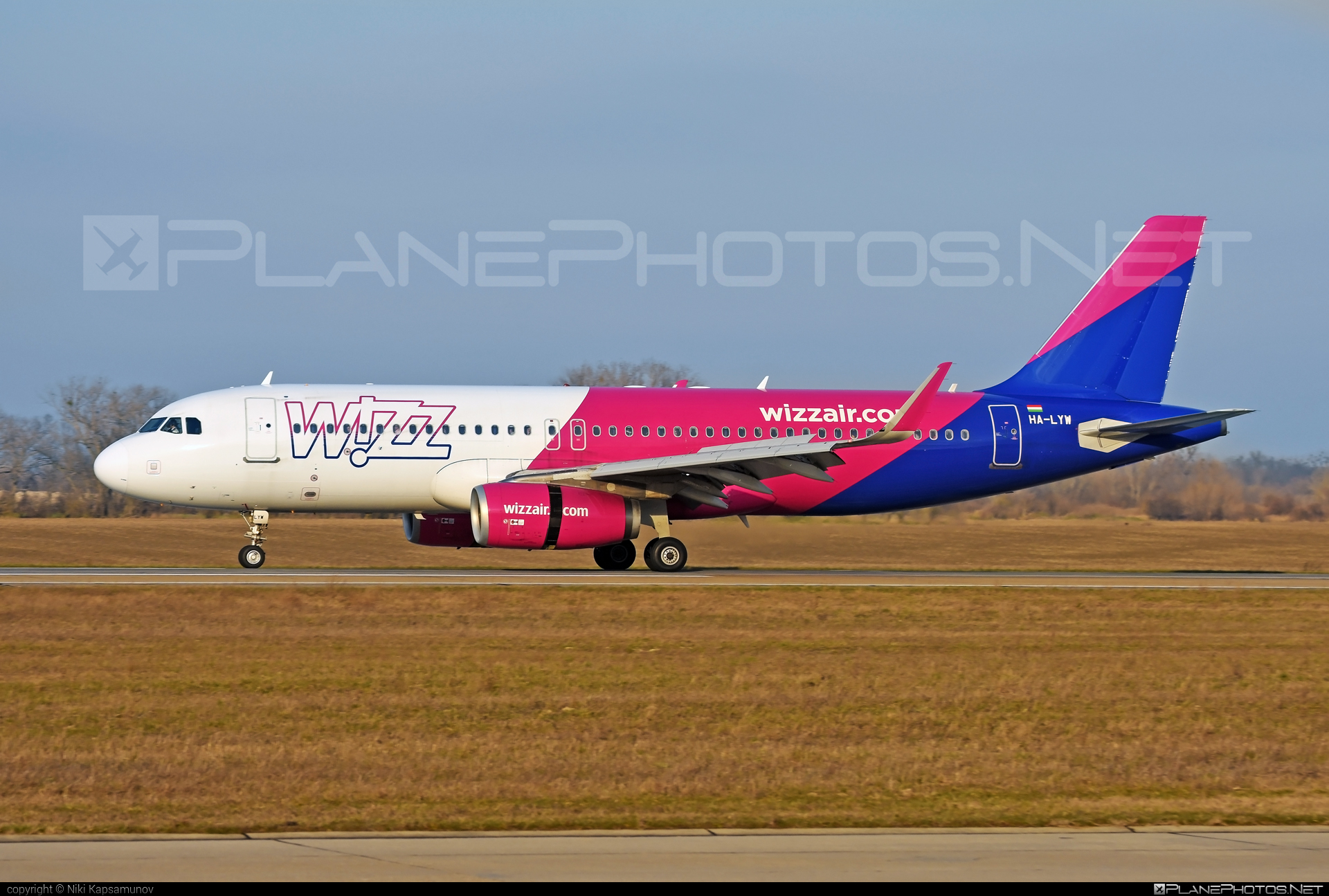 Airbus A320-232 - HA-LYW operated by Wizz Air #a320 #a320family #airbus #airbus320 #wizz #wizzair