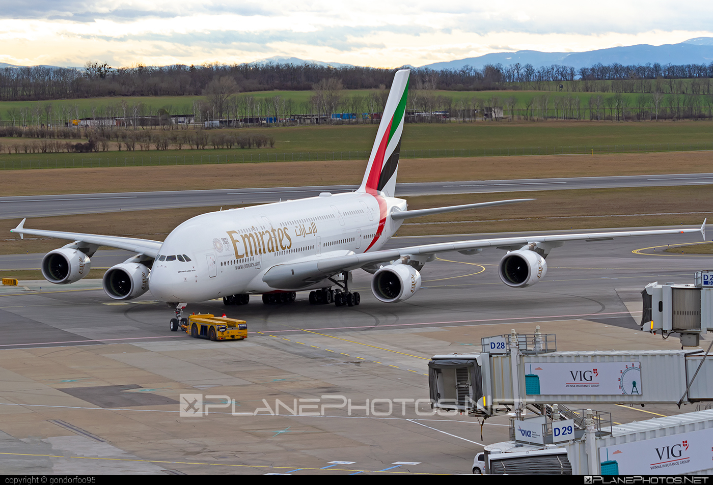 Airbus A380-861 - A6-EUF operated by Emirates #a380 #a380family #airbus #airbus380 #emirates