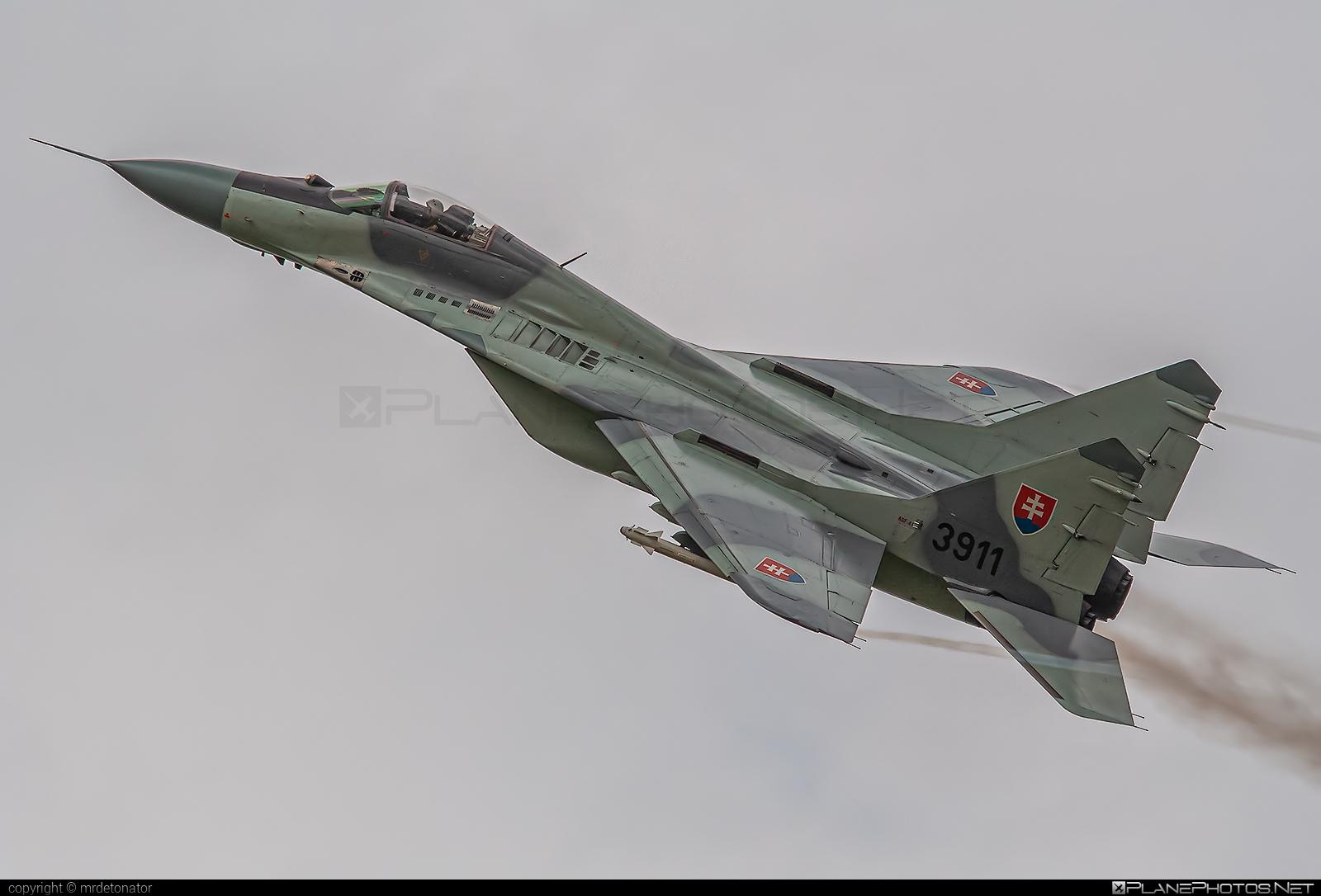 Mikoyan-Gurevich MiG-29A - 3911 operated by Vzdušné sily OS SR (Slovak Air Force) #mig #mig29 #mig29a #mikoyangurevich #slovakairforce #vzdusnesilyossr
