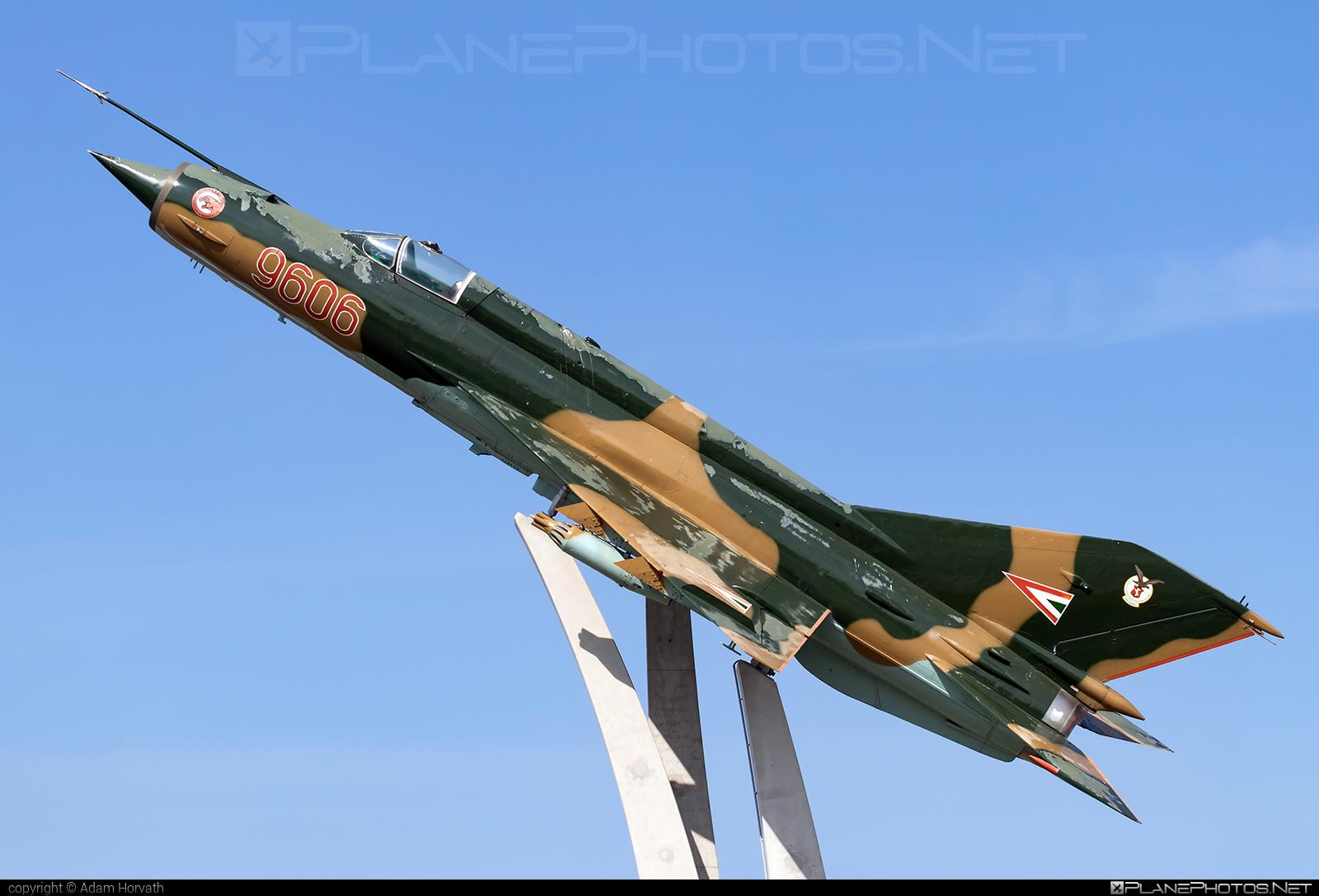 Mikoyan-Gurevich MiG-21MF - 9606 operated by Magyar Légierő (Hungarian Air Force) #hungarianairforce #magyarlegiero #mig #mig21 #mig21mf #mikoyangurevich