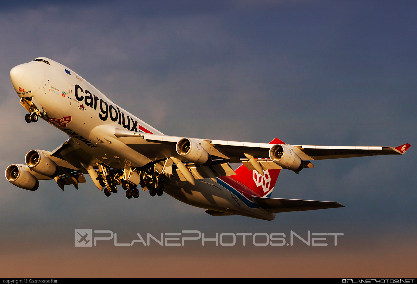 Boeing 747-400F - LX-WCV operated by Cargolux Airlines International #b747 #boeing #boeing747 #cargolux #jumbo