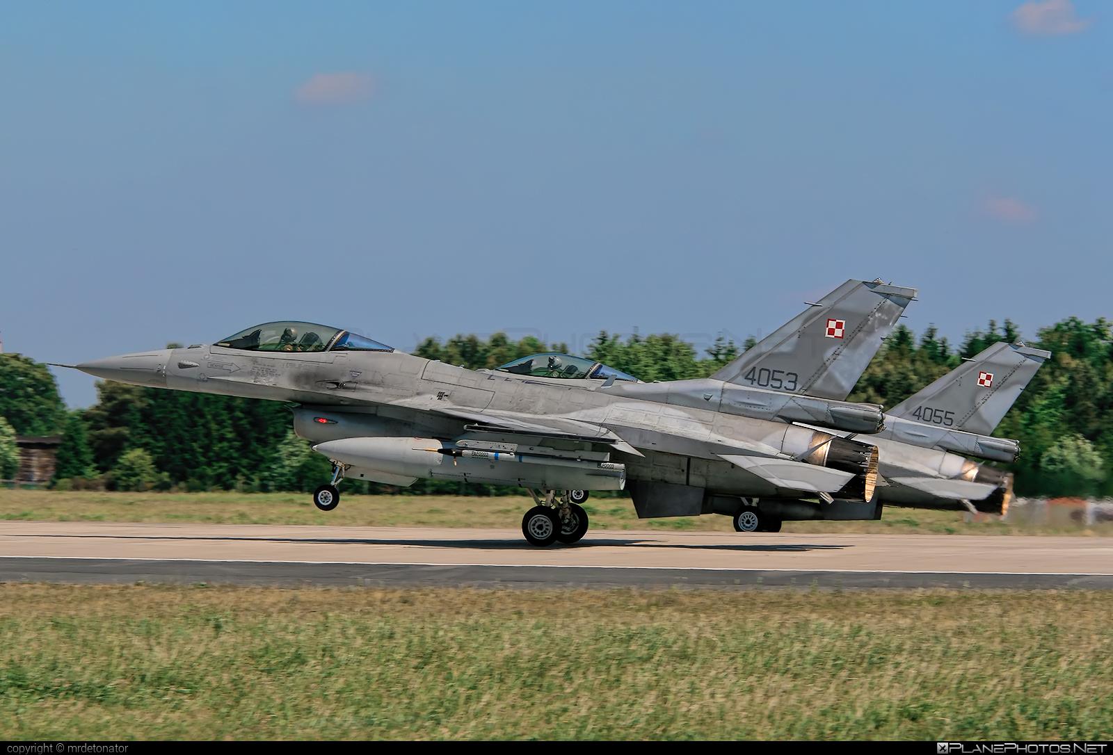 Lockheed Martin F-16CJ Fighting Falcon - 4053 operated by Siły Powietrzne Rzeczypospolitej Polskiej (Polish Air Force) #LockheedMartin #f16 #f16cj #fightingfalcon #polishairforce #silypowietrzne