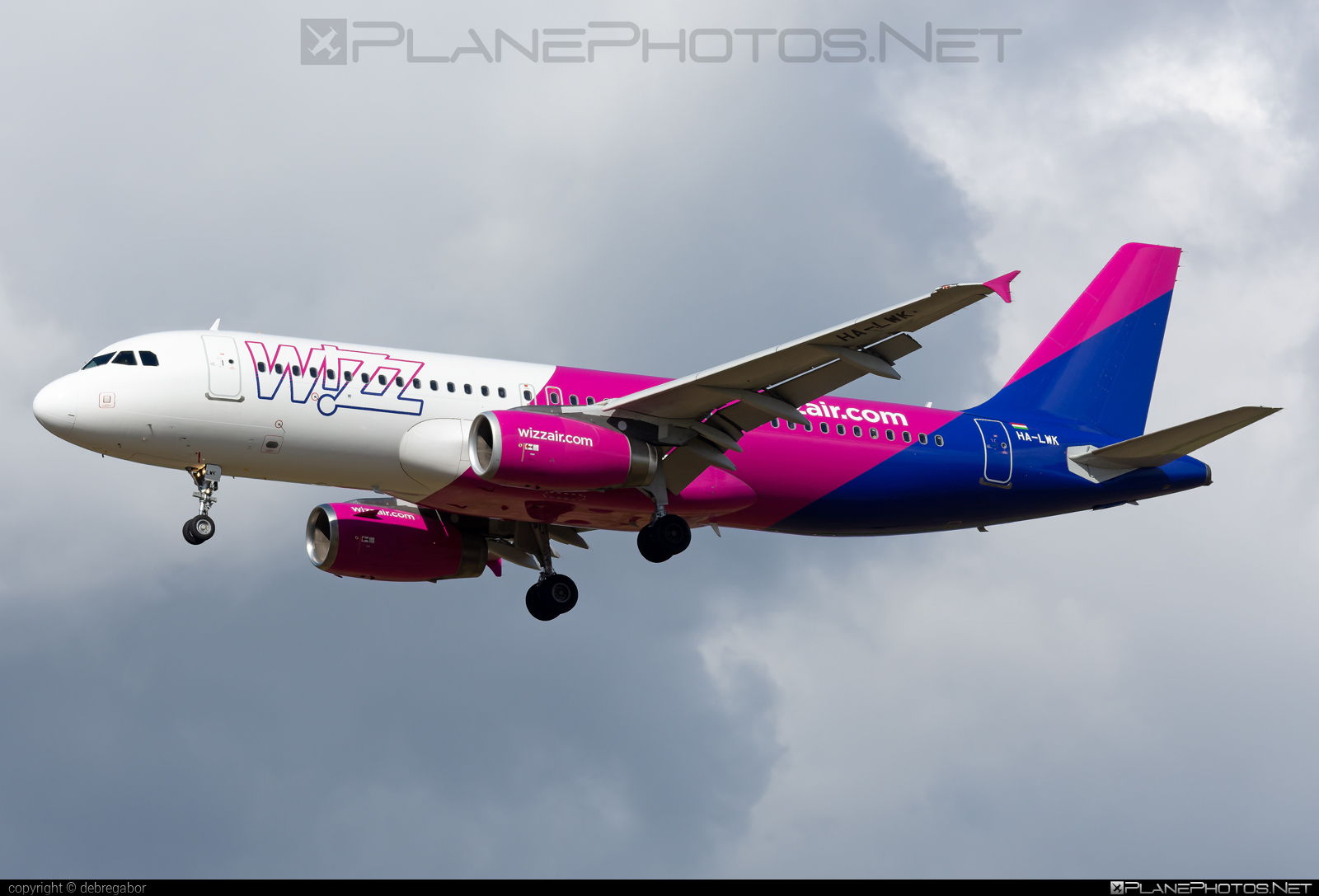 Airbus A320-232 - HA-LWK operated by Wizz Air #a320 #a320family #airbus #airbus320 #wizz #wizzair