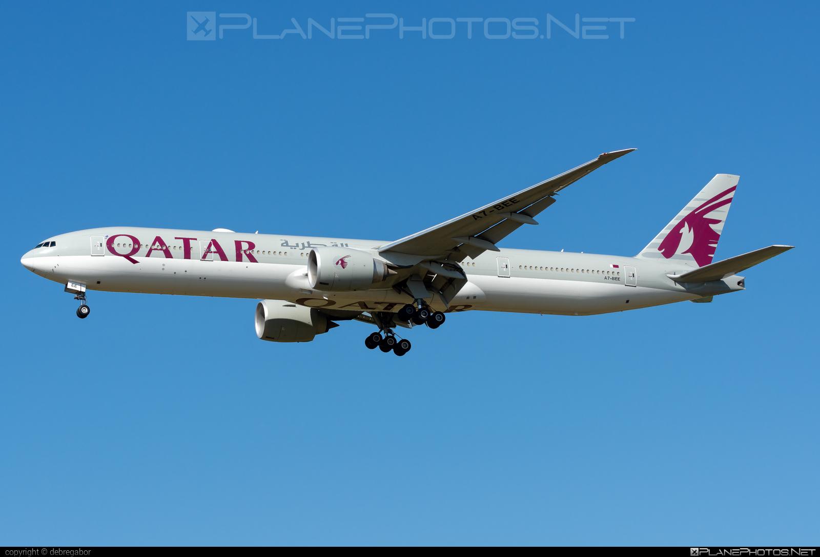 Boeing 777-300ER - A7-BEE operated by Qatar Airways #b777 #b777er #boeing #boeing777 #qatarairways #tripleseven