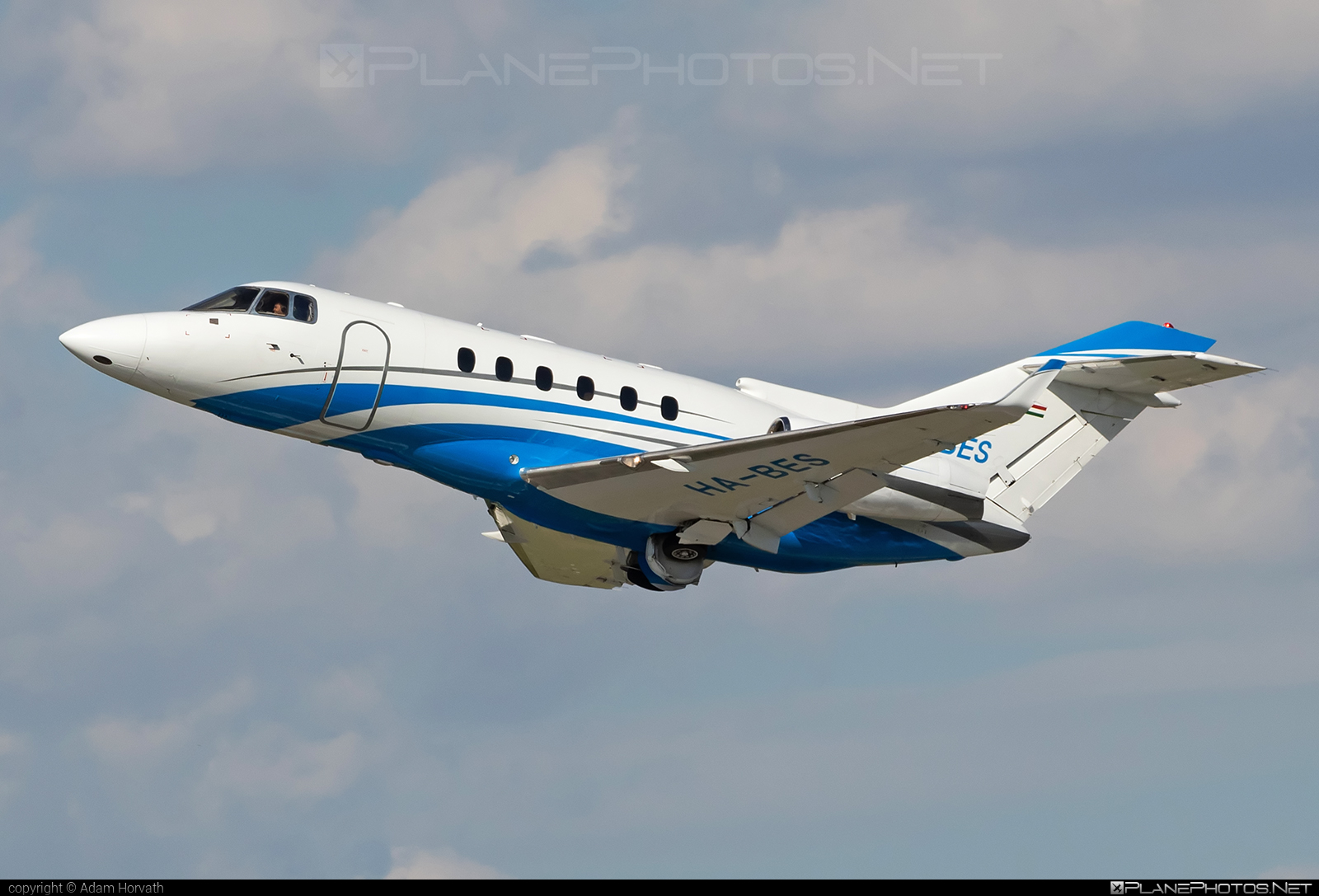 Raytheon Hawker 800XP - HA-BES operated by Private operator #800xp #hawker800 #hawker800xp #raytheon