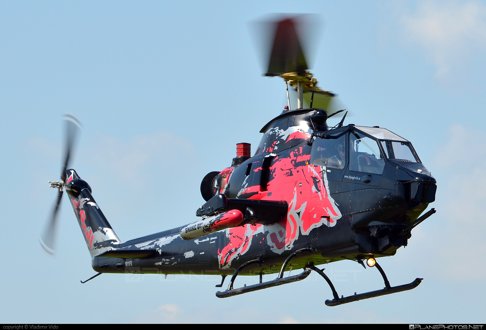 Bell TAH-1F Cobra - N11FX operated by The Flying Bulls #bell #bellhelicopters #theflyingbulls