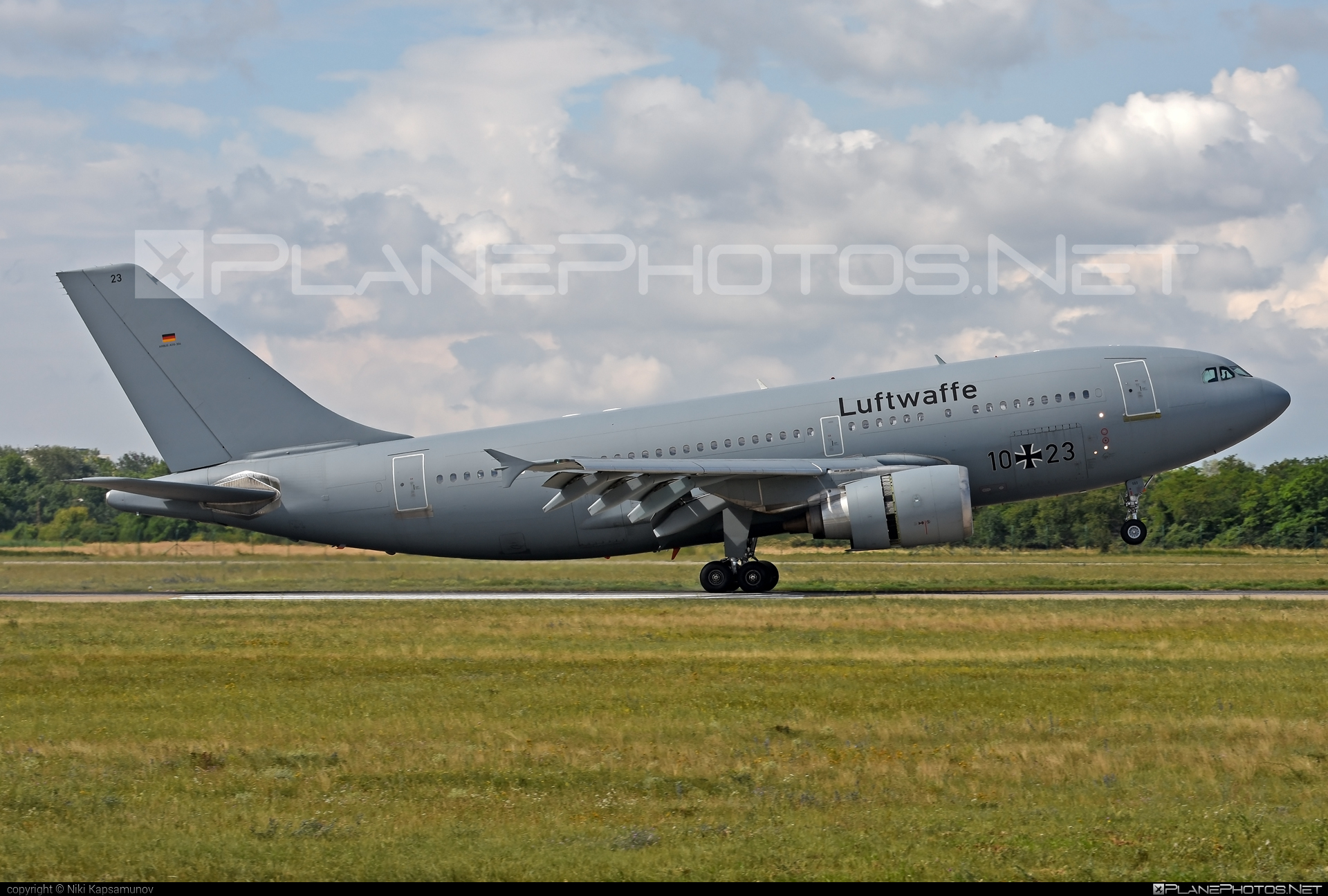 Airbus A310-304 - 10+23 operated by Luftwaffe (German Air Force) #a310 #airbus
