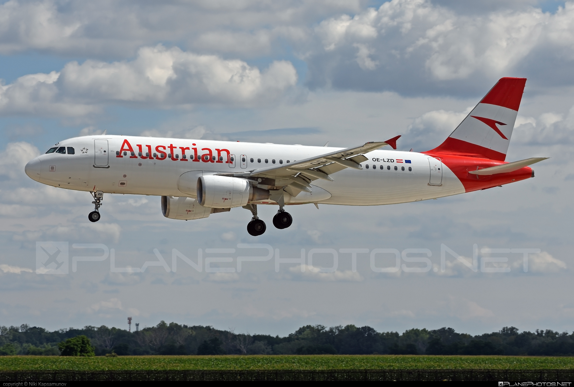 Airbus A320-214 - OE-LZD operated by Austrian Airlines #a320 #a320family #airbus #airbus320
