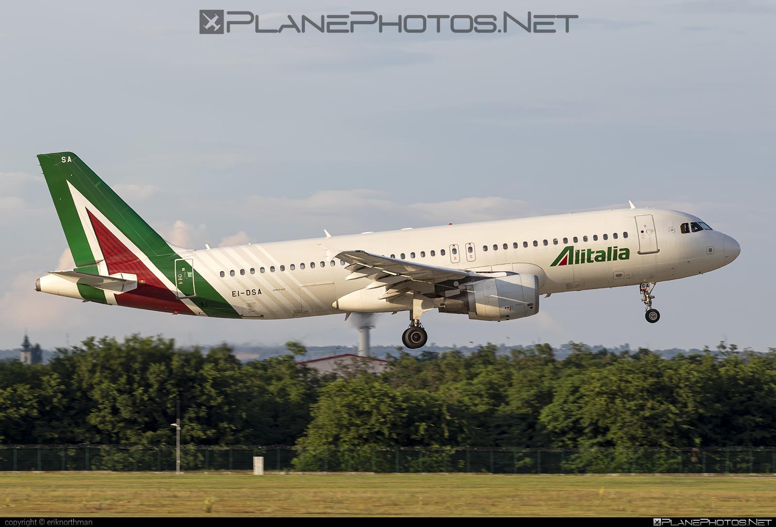Airbus A320-216 - EI-DSA operated by Alitalia #a320 #a320family #airbus #airbus320 #alitalia