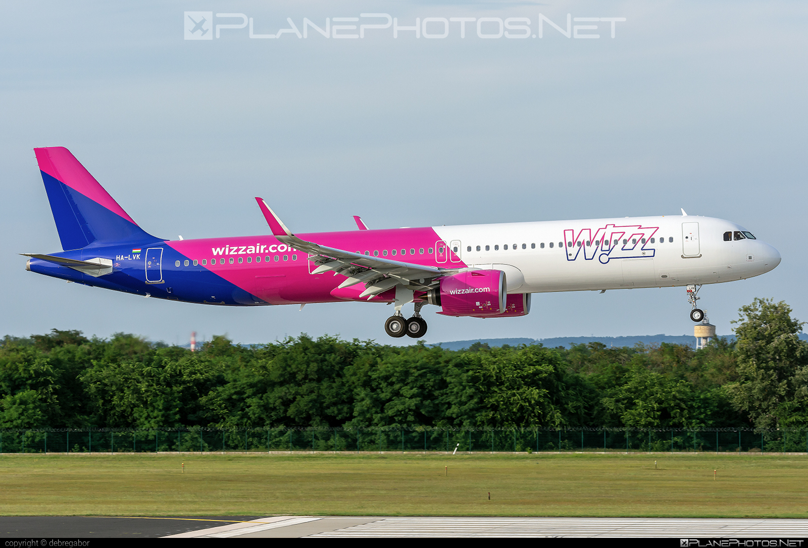 Airbus A321-271NX - HA-LVK operated by Wizz Air #a320family #a321 #a321neo #airbus #airbus321 #airbus321lr #wizz #wizzair