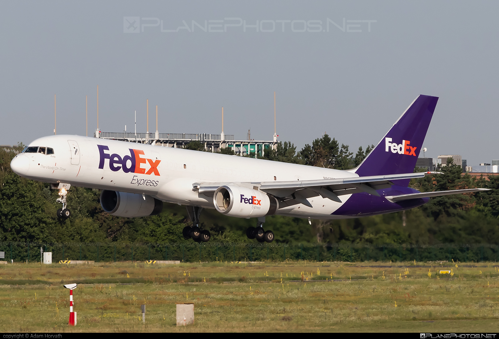 Boeing 757-200SF - N917FD operated by FedEx Express #b757 #boeing #boeing757 #fedex #fedexairlines #fedexexpress