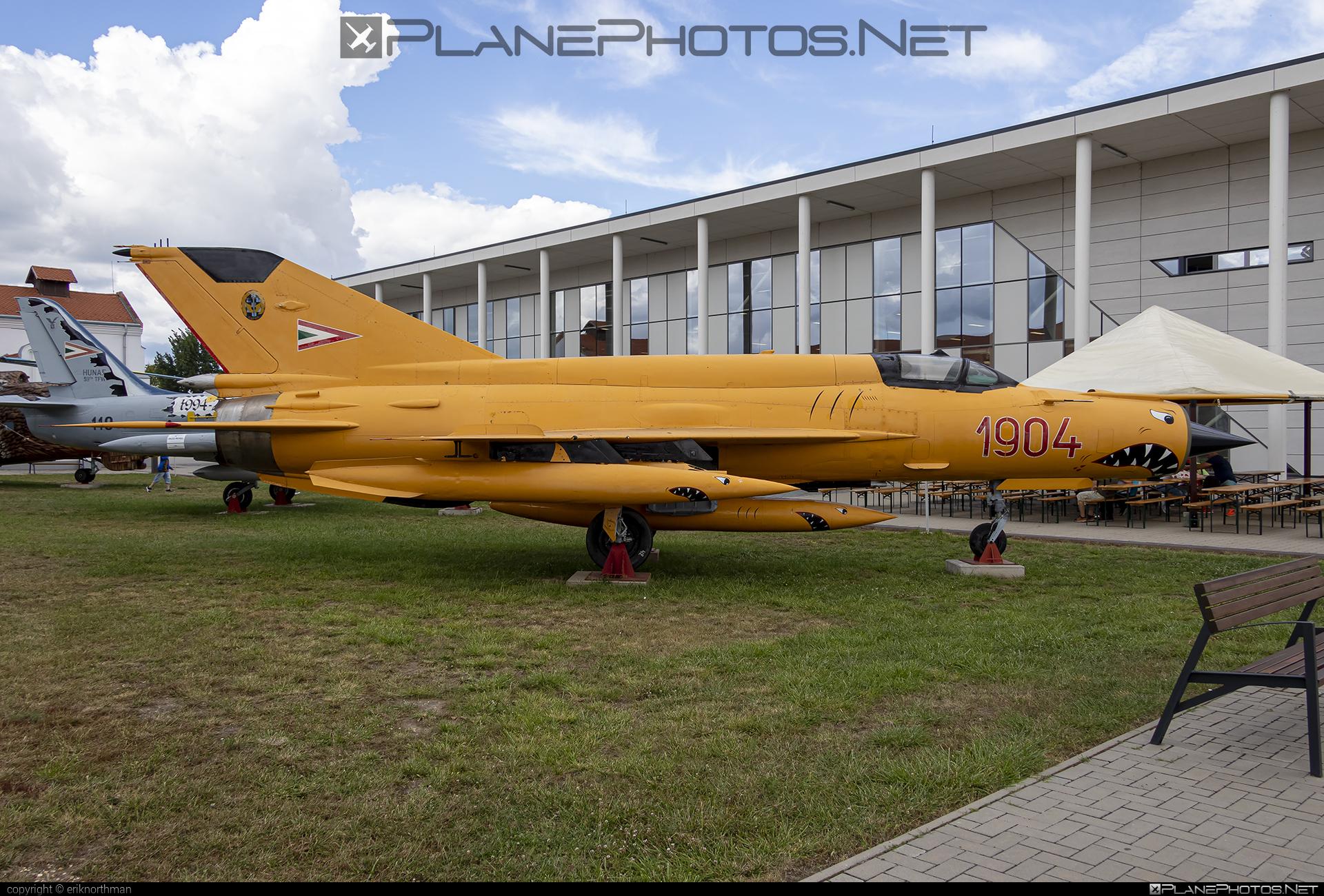 Mikoyan-Gurevich MiG-21bis - 1904 operated by Magyar Légierő (Hungarian Air Force) #hungarianairforce #magyarlegiero #mig #mig21 #mig21bis #mikoyangurevich