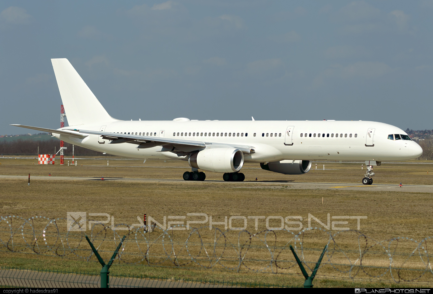 Boeing C-32B - 02-4452 operated by US Air Force (USAF) #boeing #usaf #usairforce