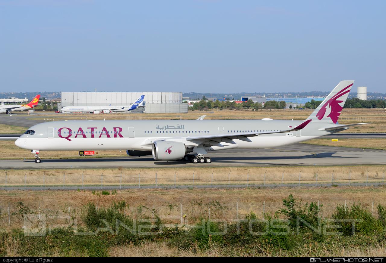 Airbus A350-1041 - F-WZGK operated by Qatar Airways #a350 #a350family #airbus #airbus350 #qatarairways #xwb