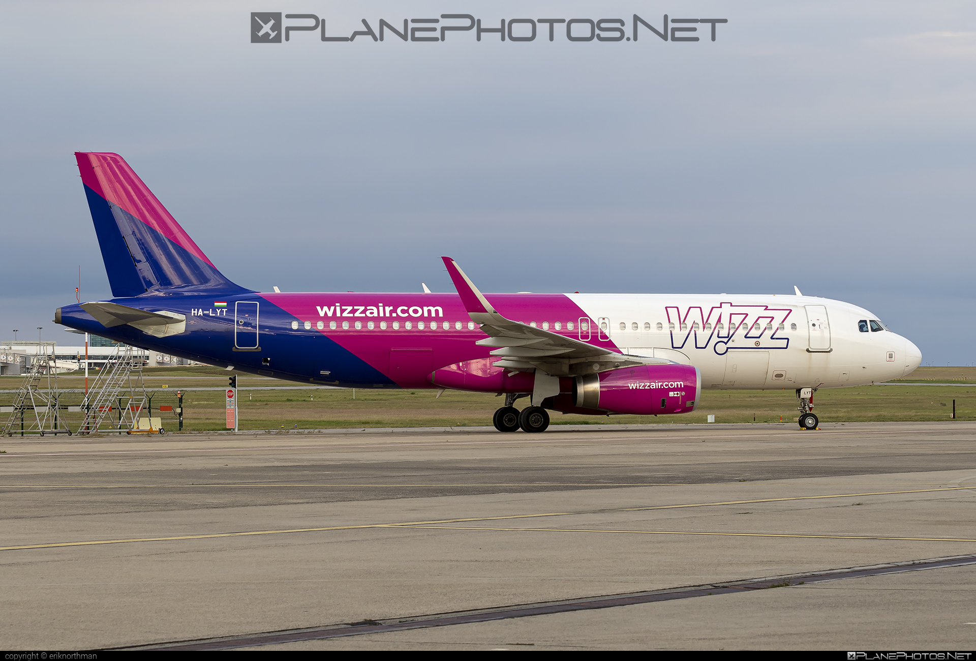 Airbus A320-232 - HA-LYT operated by Wizz Air #a320 #a320family #airbus #airbus320 #wizz #wizzair