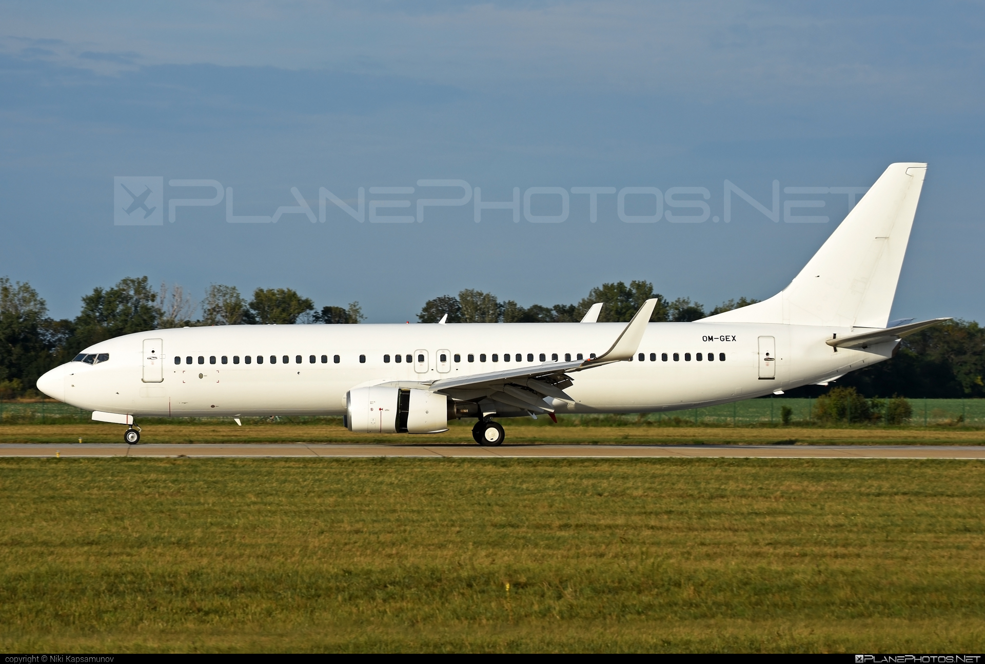Boeing 737-800 - OM-GEX operated by AirExplore #b737 #b737nextgen #b737ng #boeing #boeing737