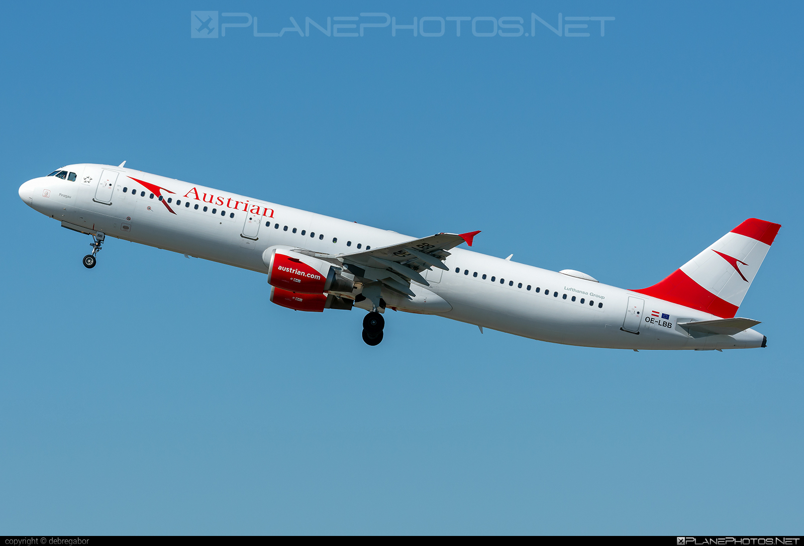 Airbus A321-111 - OE-LBB operated by Austrian Airlines #a320family #a321 #airbus #airbus321