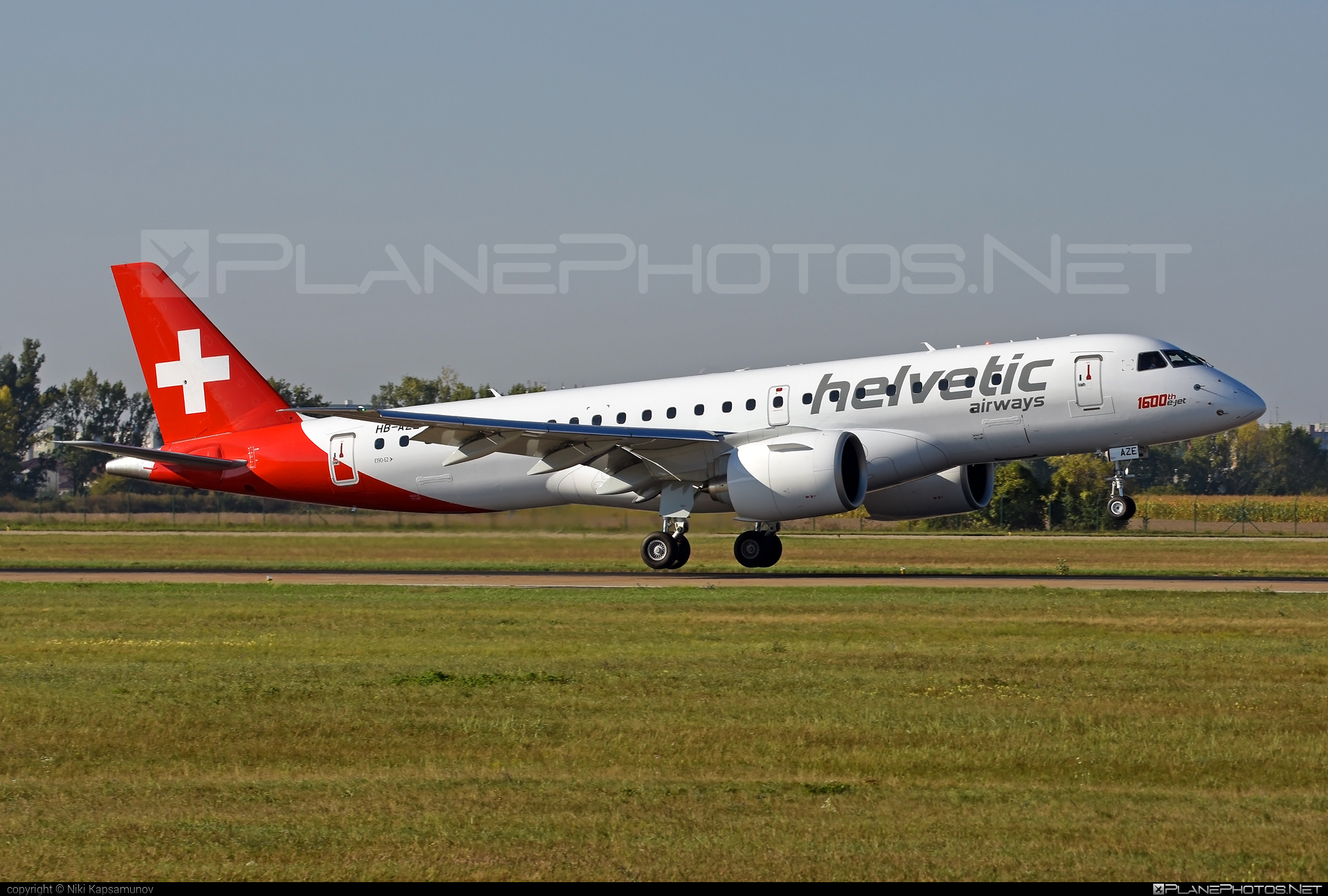 Embraer E190-E2 (ERJ-190-300STD) - HB-AZE operated by Helvetic Airways #1600thejet #e190 #e190e2 #embraer #embraer190 #embraer190300 #embraer190300std #embraer190e2 #erj190300 #erj190300std