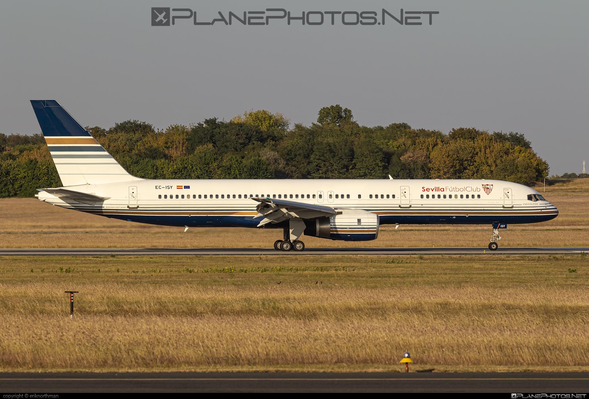 Boeing 757-200 - EC-ISY operated by Privilege Style #b757 #boeing #boeing757