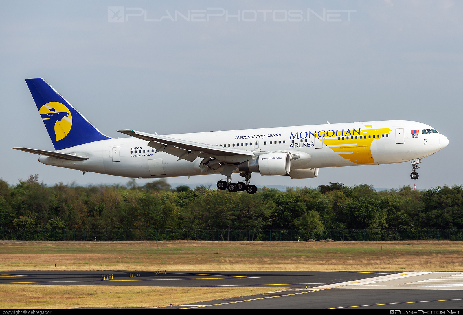 Boeing 767-300ER - EI-FGN operated by MIAT Mongolian Airlines #b767 #b767er #boeing #boeing767