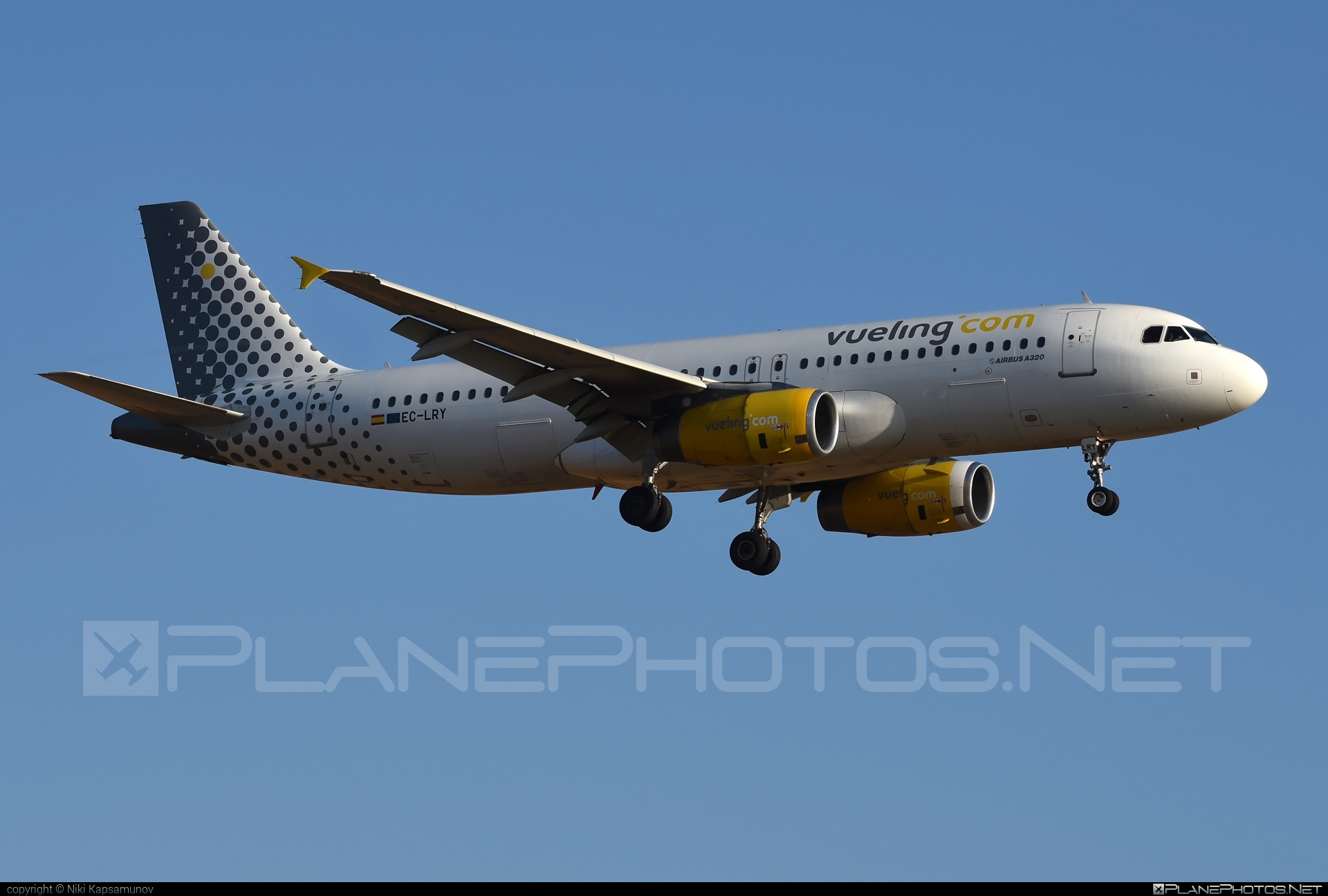 Airbus A320-232 - EC-LRY operated by Vueling Airlines #a320 #a320family #airbus #airbus320 #vueling #vuelingairlines