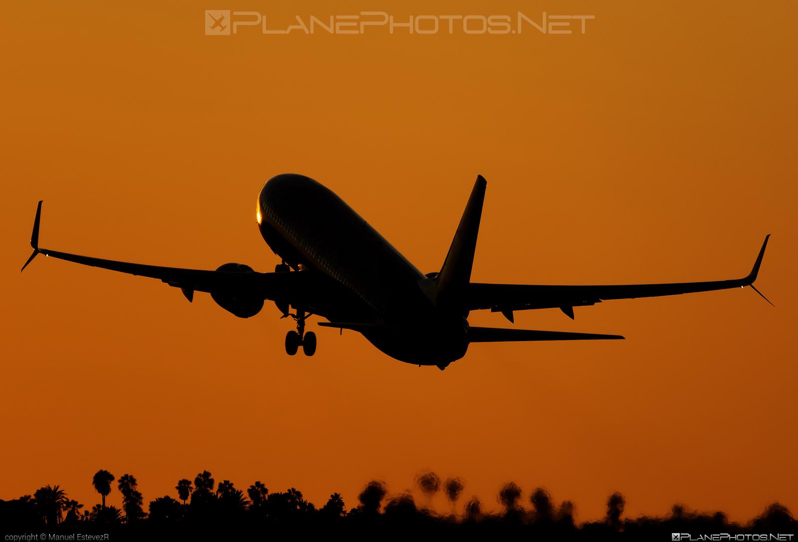 Boeing 737-800 - LX-LGU operated by Luxair #b737 #b737nextgen #b737ng #boeing #boeing737