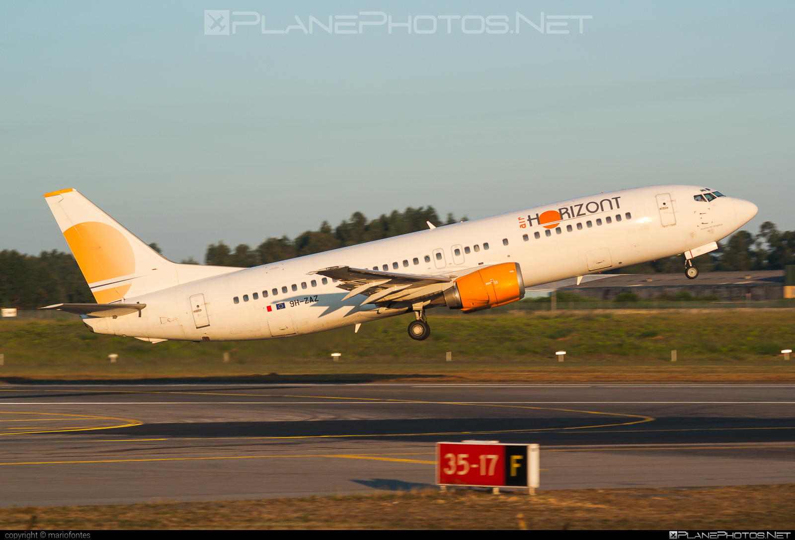 Boeing 737-400 - 9H-ZAZ operated by Air Horizont #b737 #boeing #boeing737