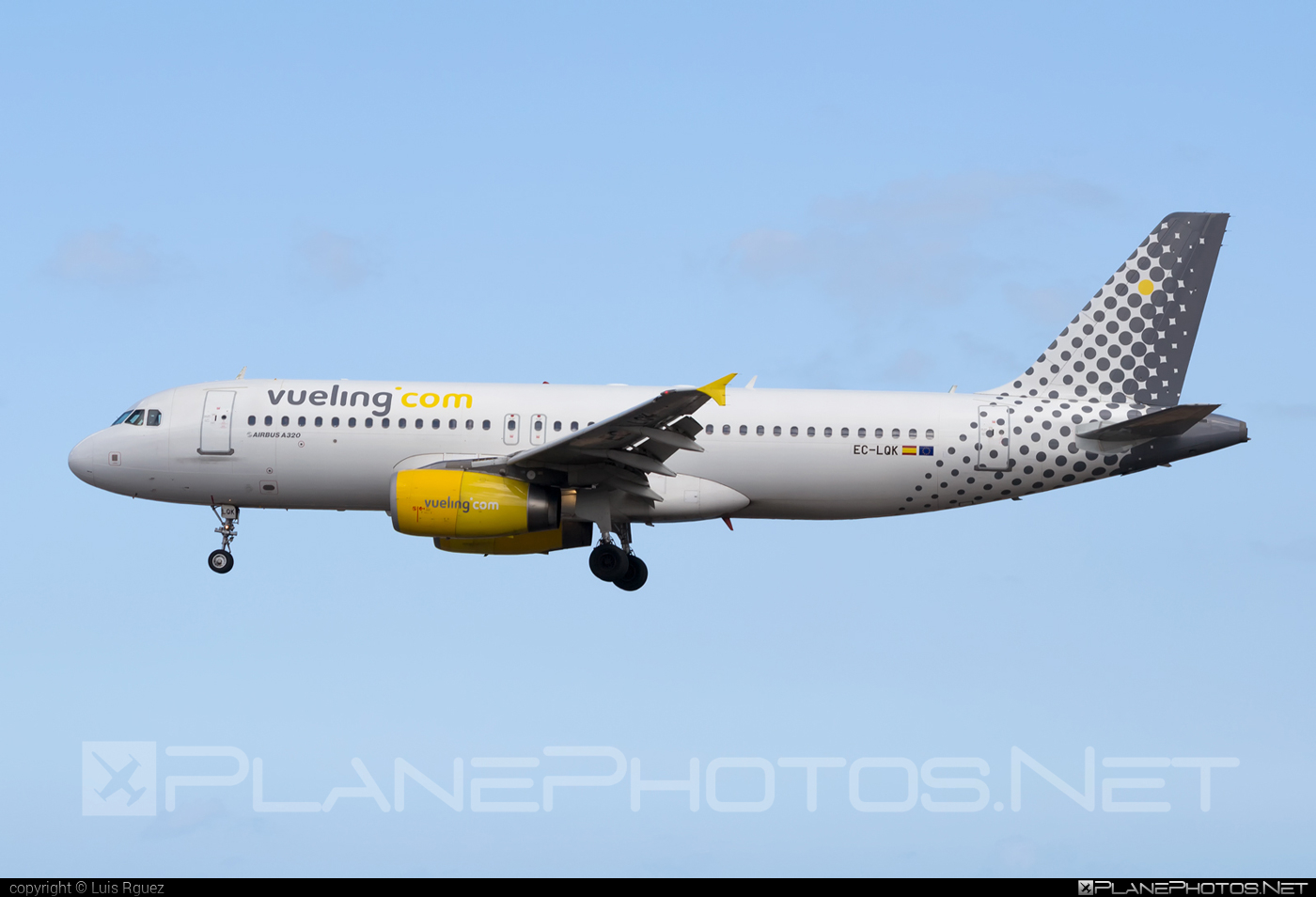 Airbus A320-232 - EC-LQK operated by Vueling Airlines #a320 #a320family #airbus #airbus320 #vueling #vuelingairlines