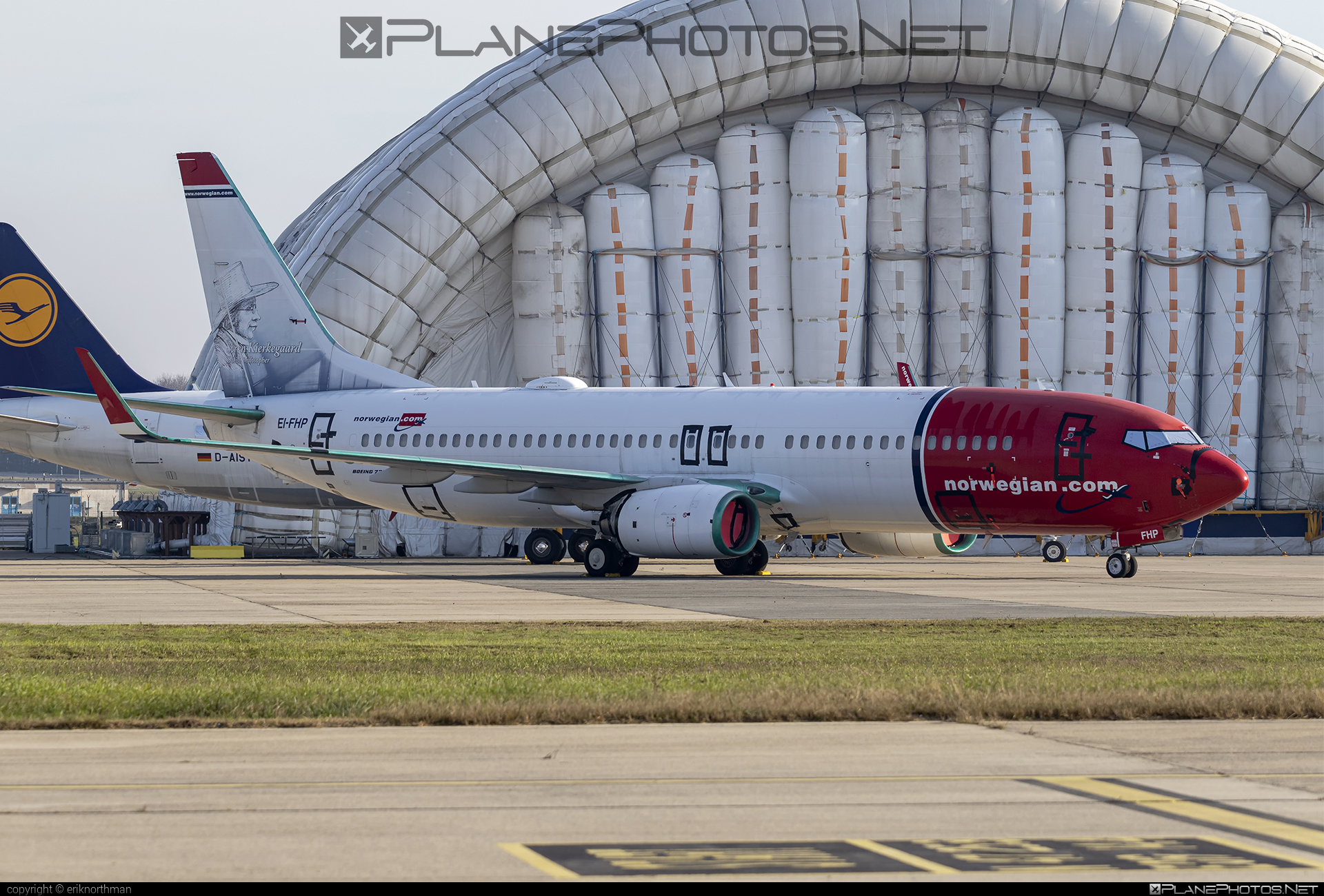 Boeing 737-800 - EI-FHP operated by Norwegian Air International #b737 #b737nextgen #b737ng #boeing #boeing737 #norwegian #norwegianair #norwegianairinternational
