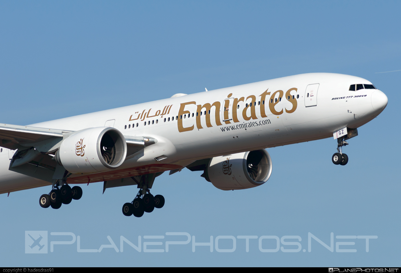 Boeing 777-300ER - A6-EGZ operated by Emirates #b777 #b777er #boeing #boeing777 #emirates #tripleseven
