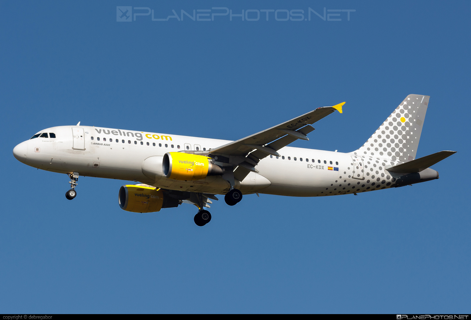 Airbus A320-216 - EC-KDX operated by Vueling Airlines #a320 #a320family #airbus #airbus320 #vueling #vuelingairlines