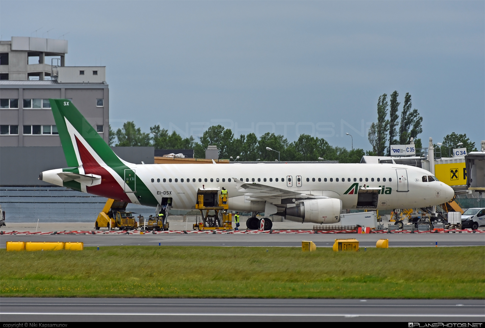 Airbus A320-216 - EI-DSX operated by Alitalia #a320 #a320family #airbus #airbus320 #alitalia