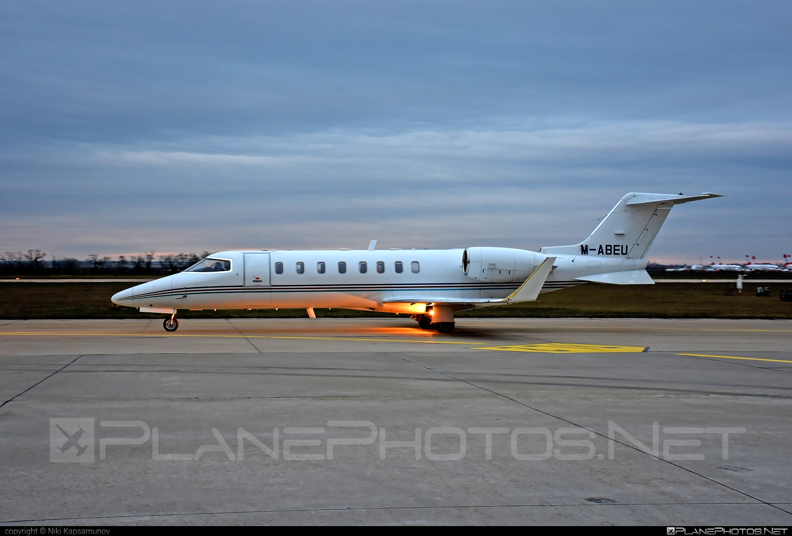 Bombardier Learjet 45 - M-ABEU operated by Ryanair #bombardier #learjet #learjet45 #ryanair