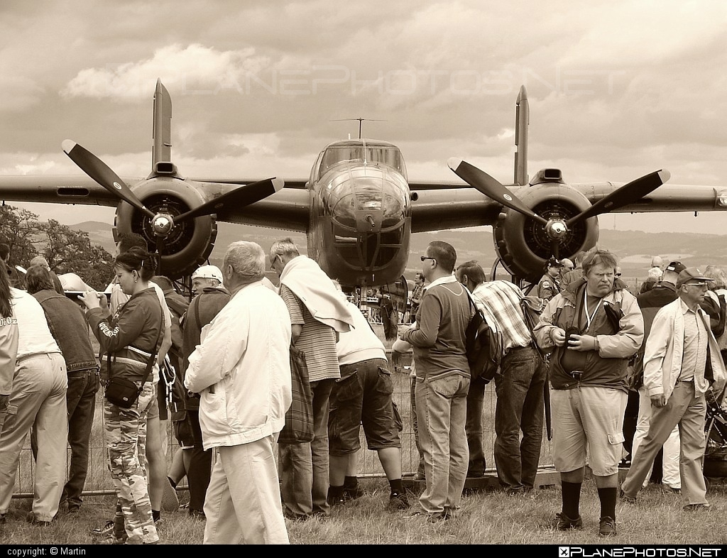 North American B-25N Mitchell - N320SQ operated by Private operator #b25 #b25mitchell #b25n #northamerican